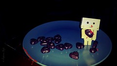 Danbo's Bloody Valentine (karmenbizet73) Tags: holiday art hearts toys photography flickr toystory valentine valentinesday mybloodyvalentine eyespy danbo amateurphotographer bloodyvalentine 40366 danboard photodevelopment danbolove toysunderthebed 2016366photos