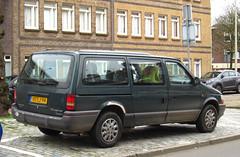 1994 Chrysler Grand Voyager 3.3i V6 SE (rvandermaar) Tags: 1994 chrysler grand voyager 33i v6 se chryslergrandvoyager chryslervoyager dodgecaravan dodgegrandcaravan chryslertowncountry plymouthgrandvoyager plymouthvoyager towncountry dodge caravan plymouth sidecode5 hslj94 rvdm