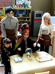 All-Knowing All-Seeing Mama Rat (rata-tat-tat) Tags: dolldiorama barbiediorama barbiepivotal
