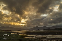 Castle Stalker Sunset (ShaneA21) Tags: bridge sunset mountains castle scotland argyll atmosphere montypython stalker jubileebridge appin bute castlestalker