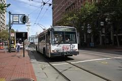 2001-2003 ETI 14TrSF #5560 (busdude) Tags: bus electric san francisco trolley railway muni municipal trolleybus skoda eti trolleycoach 14trsf muniheritage