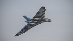 Vulcan XH558 - Last display 2015 (davepickettphotographer) Tags: uk last display aircraft aviation wing bedfordshire delta collection airshow gb british vulcan bomber avro biggleswade vbomber shuttleworthcollection coldwarjet xh558 avrovulcan oldwarden olympuscamera vulcantothesky theshuttleworthcollectionuk davepickettphotographer