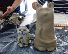Los miercoles, clase de cermica - Abril dia 6 (Micheo) Tags: spain kitten clay gato workshop taller pottery clase barro lessons gatito arcilla modelado april30pictures