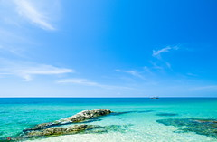 Perfect blue (Quang577) Tags: beach rock bluesky vietnam fishingboat clearsky oceanblue clearwater phanthiet muine deepsea perfectblue