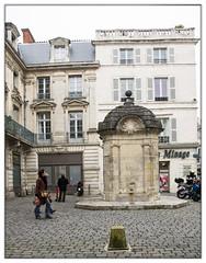 Fontaine du Pilori (Nadine.Dvx) Tags: france port 17 larochelle extrieur fontaine charentemaritime frontdemer poitoucharentes ocanatlantique fontainedupilori classemh