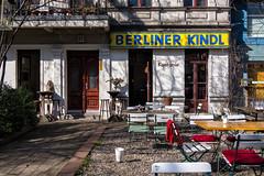 Zur weien Kastanie, Berlin (Fliwatuet) Tags: berlin beer germany garden de deutschland restaurant panasonic bier ostern charlottenburg biergarten berlinerkindl m43 mft em5 charlottenburgwilmersdorf 20mm17 olympusomd