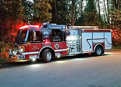 North Vancouver City, BC Engine 10 (walneylad) Tags: red canada black britishcolumbia firetruck fireengine bomberos firedepartment inaction redlights westlynn firebrigade pumper americanlafrance pompiers firerescue onscene lynnvalley bombeiros fireservice emergencyvehicle fireappliance fireapparatus engine10 firevehicle northvancouvercity pumpladder