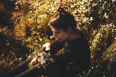 SELFPORTRAIT, SPRING 2016 (eel ciurn) Tags: flowers girls camp portrait naturaleza selfportrait black flores primavera nature girl field fashion digital canon vintage sadness spring clothing photographer chica retrato autoretrato catalonia velvet campo fields chicas catalunya fullframe ram flors retrat fotgrafa vintageclothing terciopelo girlsinblack canonistas tumblr canon5dmarkiii canon5dmark3 estelciurana