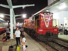 D13E-704 at Bien Hoa station, Vietnam. (Barang Shkoot) Tags: india car electric asian coach asia carriage diesel engine railway loco vietnam locomotive passenger indochina alco vnr đườngsắt d13e dsvn