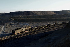 I_B_IMG_6389 (florian_grupp) Tags: china railroad train landscape asia mine desert muslim railway steam xinjiang mikado locomotive coal js steamlocomotive 282 opencastmine sandaoling