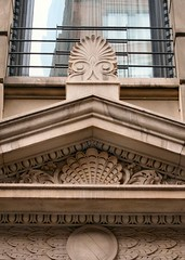 NYC_BDWY_832_002 (TNoble2008) Tags: louis ornament console pediment 1896 acroteria doorsurround ornamentshell ornamentanthemion ornamentbayleaf architectlouiskorn