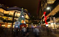 史努比聖誕樹 (p890089) Tags: 聖誕樹 新光三越 聖誕節 平安夜 信義區 街拍 人流 史努比 減光鏡 長曝