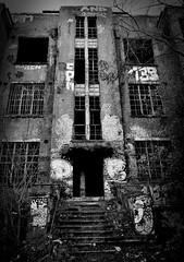 La Chartreuse (xxx-NICO-xxx) Tags: white black lost la noir place belgium belgique chartreuse places ruine abandon blanc abandonned liège