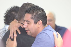 El Salvador_HM_2012_0365 (ili.team) Tags: men latinamerica elsalvador hm embrace centralamerica 2012 historymakers