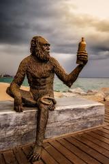 Anis del mono (pajavi69) Tags: sunset sea espaa costa beach water statue clouds marina puente atardecer dawn coast mar nikon mediterraneo playa paisaje arena cielo nubes ape puestadesol estatua catalua badalona simio anisdelmono orilladelmar orillademar