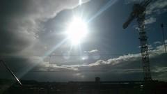 Sturm ber der Hafencity (greenoid) Tags: hamburg wolken hafen bahn sonne kran hafencity sturm orkan sturmtief rozica