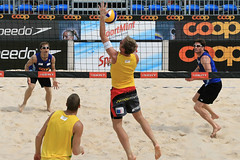PG0O3307_DxO_R.Varadi (Robi33) Tags: show summer game sport ball court switzerland sand play action competition basel victory player beachvolleyball international block umpire viewers