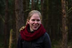 Wak&irene (Wak&co) Tags: portrait girl smiling walking photography 50mm blog aperture fotografie pentax bokeh wandelen nederland blond blonde irene f18 portret bos friesland meisje lief heerenveen glimlach oranjewoud