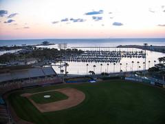 Sunrise on Tampa Bay (votsek) Tags: boats bay us unitedstates baseball florida anchorage yachts saintpetersburg sailboats 2010
