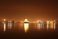 Gdyński port nocą (magro_kr) Tags: light water night port harbor harbour poland polska woda noc światło gdynia swiatlo pomorze pomorskie