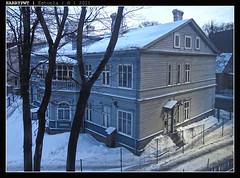 gloomy day (harrypwt) Tags: city winter house snow wooden tallinn estonia s90 harrypwt canons90