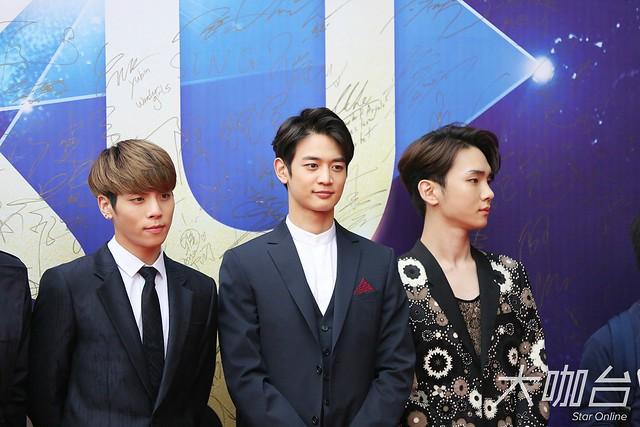 160329 SHINee @ 2016 KU Asia Music Awards' 25590942173_752c525048_z