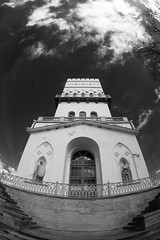 IMG_4115 (linebrell) Tags: sky white tower monochrome contrast 350d architechture outdoor fisheye tokina infrared pushkin 1017mm 760nm