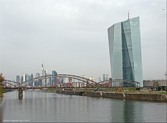 Frankfurt am Main - Skyline (1) (Jorbasa) Tags: skyline germany deutschland hessen frankfurt main geotag frankfurtammain eisenbahnbrcke wetterau fernmeldeturm jorbasa europischezentralband