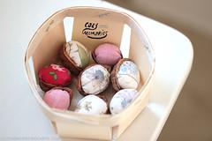 sweet wee pincushions (Cozy Memories) Tags: handmade linen pincushions libertyoflondon cathkidston cozymemories walnutpincushions complementarygift