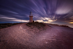 Vlamingh Streaks (Rodney Campbell) Tags: sunset lighthouse clouds au australia wa westernaustralia exmouth northwestcape gnd09 littlestopper