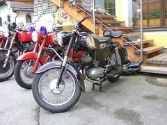 PUCH 125 SV (John Steam) Tags: salzburg vintage austria meeting motorbike motorcycle oldtimer puch motorrad 2015 hallein gasthof oldtimertreffen zweitakt kirchenwirt puchtreffen 125sv doppelkolben