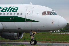 EI-IMU (MikeAlphaTango) Tags: torino airport aircraft aviation airbus turin aereo aviazione alitalia a320 a319 a321 airone