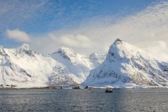 Torsfjorden fjord [ les Lofoten ~ Norvge ] (emvri85) Tags: winter snow norway zeiss 50mm boat hiver neige bateau lofoten pche norvge nordland