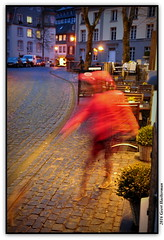 Monschau (D) - 2016/04/03 (Geert Haelterman) Tags: germany nikon candid streetphotography monschau geert duitsland streetshot photoderue d90 straatfotografie photographiederue fotografadecalle strassenfotografie fotografiadistrada haelterman
