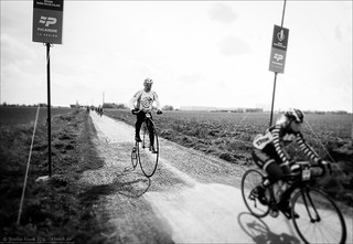 I didn't knew Penny Farthings were cobble gobbler