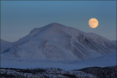 January moon (TrondSphoto) Tags: winter moon white mountains evening january full np rondane trondsphoto
