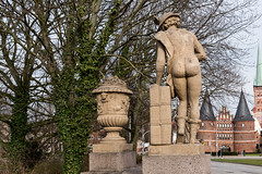 "Lbeck: Merkur auf der Puppenbrcke - Mercure at the Puppenbrcke (""Bridge of Dolls""), name given to the bridge by the population because of the eight statues decorating it (riesebusch) Tags: lbeck"