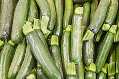 20160422 Provence, France 02537 (R H Kamen) Tags: food france green market vegetable zucchini courgette freshness vaucluse largegroupofobjects provencealpesctedazur rhkamen