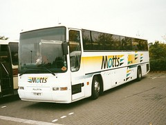 Motts T7 MTT (quicksilver coaches) Tags: volvo miltonkeynes prima motts plaxton stokemandeville b7r t7mtt