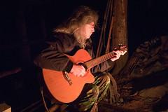 """Vašek zkouší tátovu kytaru • <a style=""""font-size:0.8em;"""" href=""""http://www.flickr.com/photos/28630674@N06/24020501112/"""" target=""""_blank"""">View on Flickr</a>"""