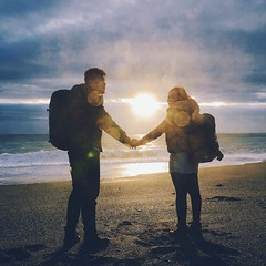 犧牲睡眠😴 大老遠衝來看的2016第一道曙光 #台灣 #台東 #太麻里 #曙光 #第一道曙光 #日出 #海岸 #沙灘 #陽光 #人超多 #Taiwan #taitung #taimali #tamari #sunshine #sunrise #stone #sea #beach #2016 #160101 #9306520 (Azone Chou) Tags: square squareformat clarendon iphoneography instagramapp uploaded:by=instagram