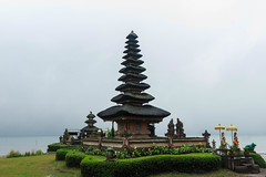 Lake and Temple Beratan (Bryan Garnett-Law) Tags: bali lake indonesia temple beratan