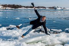 L'équilibriste (LiveToday84) Tags: trip travel winter sea ice water island boat frozen helsinki north suomenlinna d80