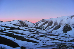 Infinite (simoncini.nicola) Tags: park camera winter light sunset wild italy panorama white mountain snow mountains cold tourism nature beauty digital landscape nikon perfect italia colours outdoor dusk air great natura adventure explore national di daytime wilderness sole montagna marche paesaggio majesty monti norcia castelluccio lemarche d60 sibillini birghtness