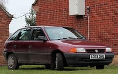 L332 ONG (Nivek.Old.Gold) Tags: 1993 turbo ls astra intercooler vauxhall 5door 17d