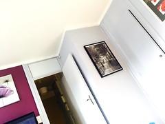 Ajd a sera vue sur.. (fourmi_7) Tags: paris film photos weekend appartement murs lignes intrieur bulle tlvision repos rester cadres coquelicots droite