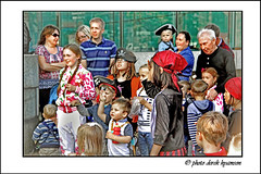 YOUNG AUDIENCE. (Derek Hyamson) Tags: kids liverpool audience candid hdr albertdock waterfont pirateday