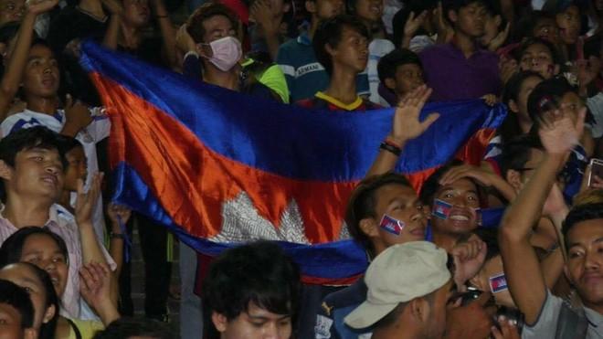 អបអរខួបទំនាក់ទំនងការទូត៦០ឆ្នាំ៖Cambodia All Starsយកឈ្នះលើLao All Stars៣ទល់នឹង២ .លោកឧបនាយករដ្ឋមន្ត្រី ហោ ណាំហុង ឧបត្ថម្ភ១ម៉ឺនដុល្លារដល់ក្រុម Cambodia All Stars