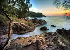 Banana Beach (Soiparadize) Tags: ocean travel sunset sky cliff tree water rock clouds landscape thailand boat sand sony boulder palm jungle shore phuket longtail travelphotography f13 travelphotos amazingthailand bananabeach a7r 1018mm thailandphotography thailandonly sonya7r ilce7r