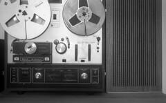 Akai X201D (Arne Kuilman) Tags: blackandwhite music netherlands 35mm aka kodak nederland zeeland player 400tx tape filter speaker reeltoreel akai ampex tapedeck akarette x201d